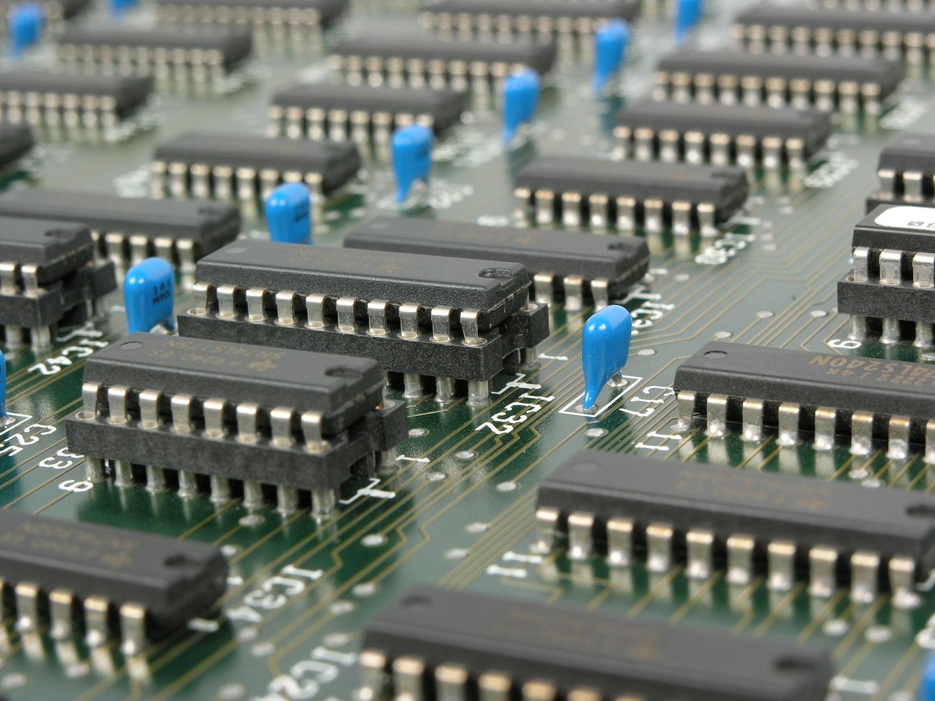 Mikroinstrukcje i ścieżka danych